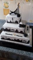 Torte-Hochzeit-mit-Berliner-Sihouette