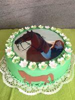 Torte-rund-mit-Pferd